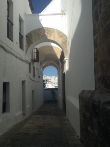 The many archways throughout the city of Vejer