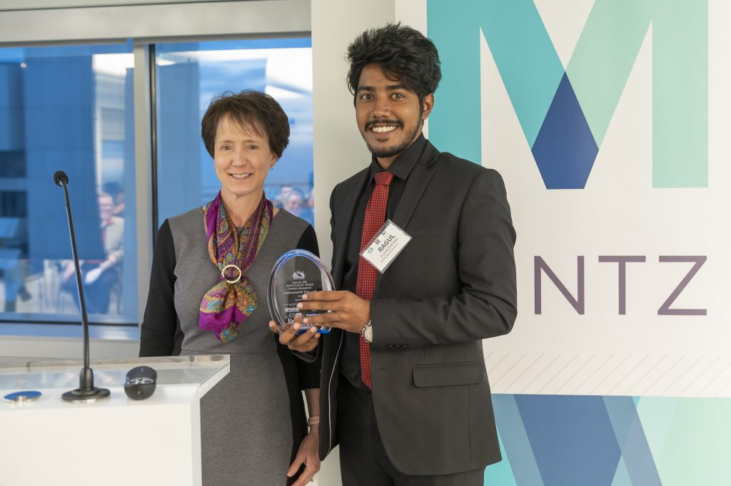 BuzzArk Simulations receives award at 2019 M2D2 $200K Challenge