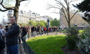 source: http://misstourist.com/6-places-in-paris-with-the-longest-queues-and-how-to-avoid-them/