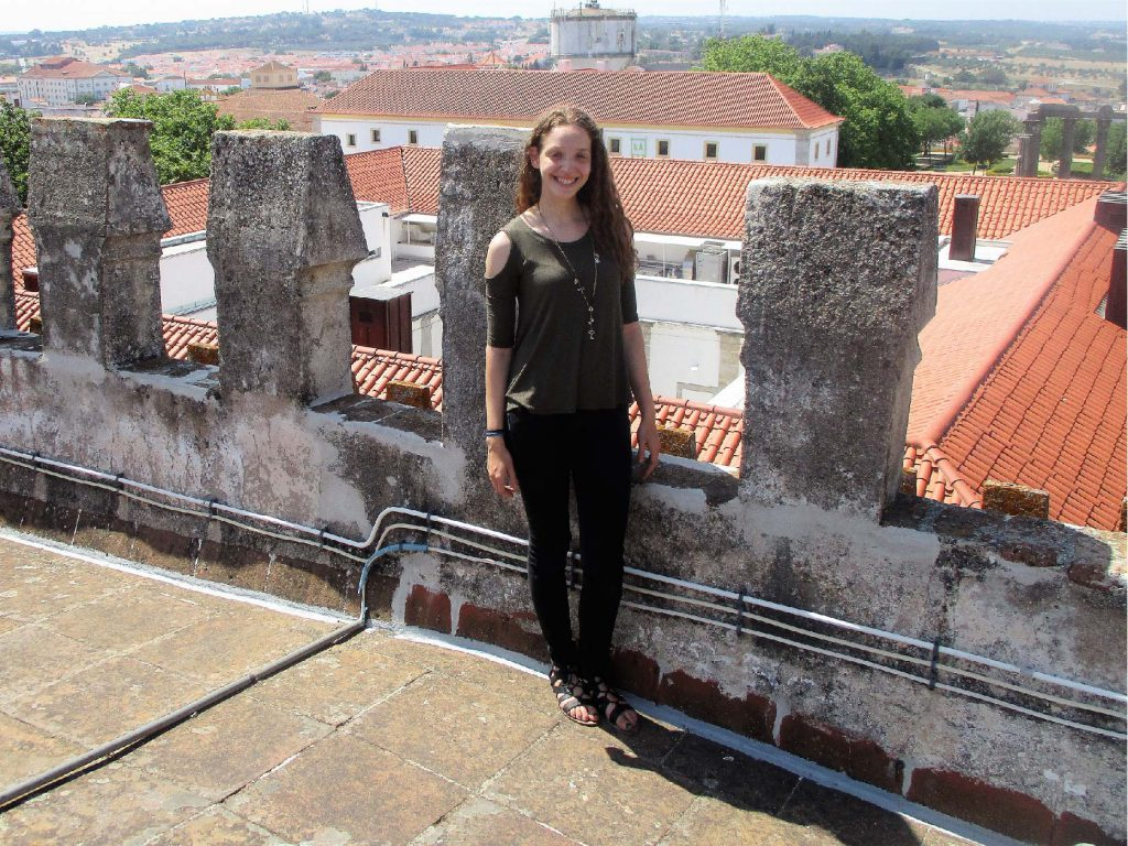 Discover UMass Lowell student Daphne Naut's experience studying archeology in Évora, Portugal! Daphne is a UMass Lowell Political Science and Philosophy major who spent the summer on a UMass Lowell partner-led study abroad program. Venture through the Chapel of Bones and get a birds-eye view of the Temple of Diana with Daphne!